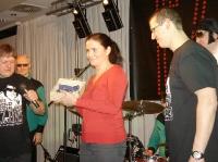 .pani Singerová vydražila srdce pro Dětské srdíčko za 6 500 Kč